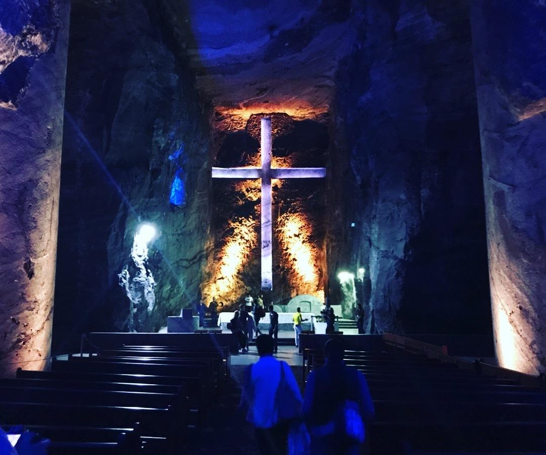 世界一大きい十字架