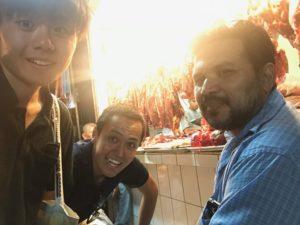 市場の肉屋